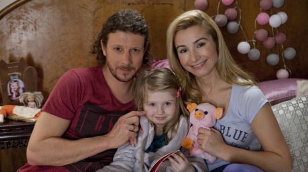 """Joanna Brodzik i Wojciech Solarz w serialu """"Nie rób scen"""" /x-news/ Piotr Mizerski /TVN"""