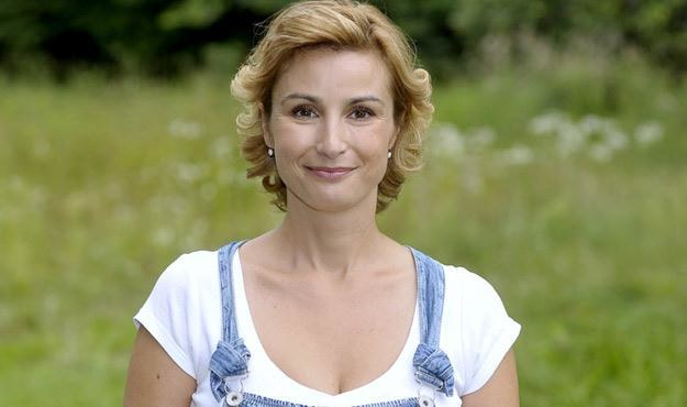 """Joanna Brodzik na planie serialu """"Życie nad rozlewskiem 2"""" - tym razem w letniej scenerii /AKPA"""