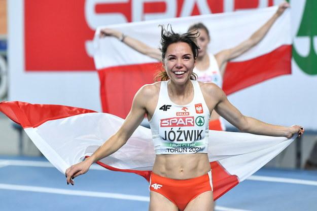 Joanna Jóźwik zdobyła srebrny medal w biegu na 800m kobiet na lekkoatletycznych halowych mistrzostwach Europy w Toruniu / Adam Warżawa    /PAP