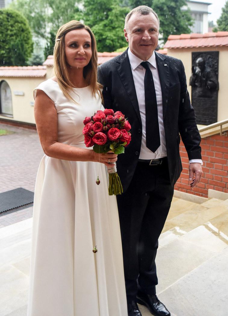 Joanna Klimek i Jacek Kurski w dniu ślubu /Marek Lasyk  /Reporter