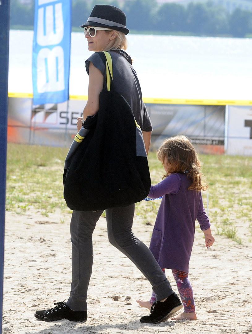 Joanna Koroniewska z córką Janinką /MWMedia