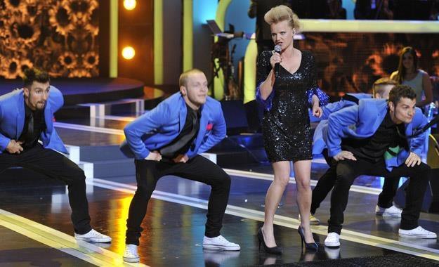 Joanna Kulig świetnie radzi sobie na scenie. Tutaj na festiwalu w Opolu /AKPA