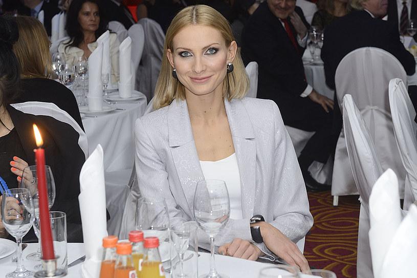 Joanna Moro nienawidzi blasku fleszy. Doprawdy? /MWMedia
