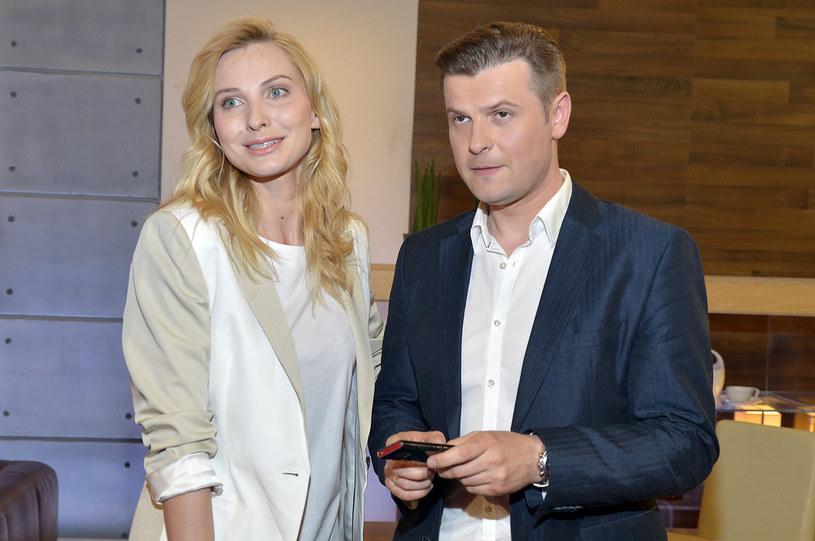 Joanna Moro ze swoim serialowym mężem Szymonem Sędrowskim /Gałązka /AKPA
