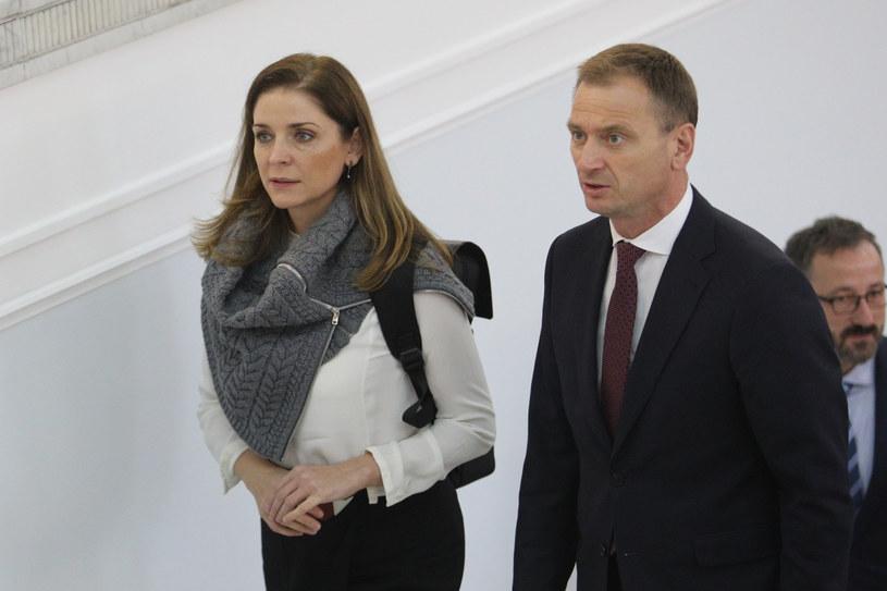 Joanna Mucha i Slawomir Nitras w drodze na posiedzenie sejmu nowej kadencji. /Tomasz Jastrzębowski /East News