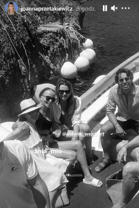 Joanna Przetakewicz z przyjaciółmi na Capri /Screen z www.instagram.com/joannaprzetakiewicz /Instagram