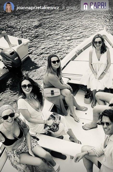 Joanna Przetakiewicz z przyjaciółmi na Capri /Screen z www.instagram.com/joannaprzetakiewicz /Instagram