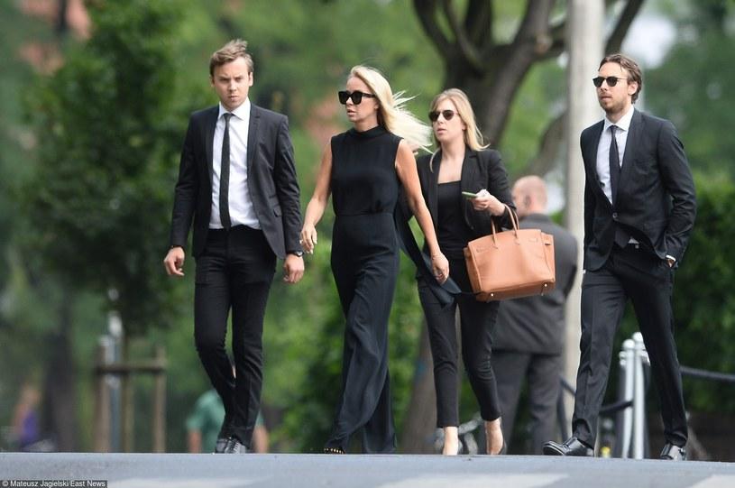 Joanna Przetakiewicz z synami /- /East News