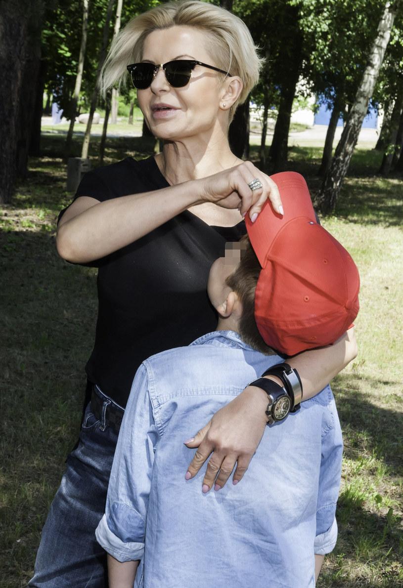 Joanna Racewicz z synem /Artur Zawadzki /East News