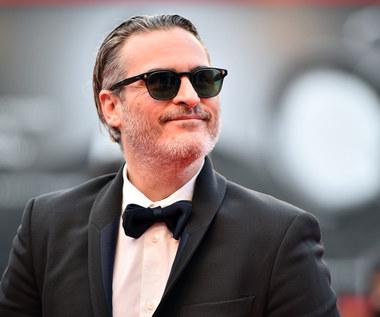 Joaquin Phoenix: Podpaski pod pachami