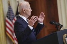 Joe Biden: 200 milionów szczepień w 100 dni prezydentury
