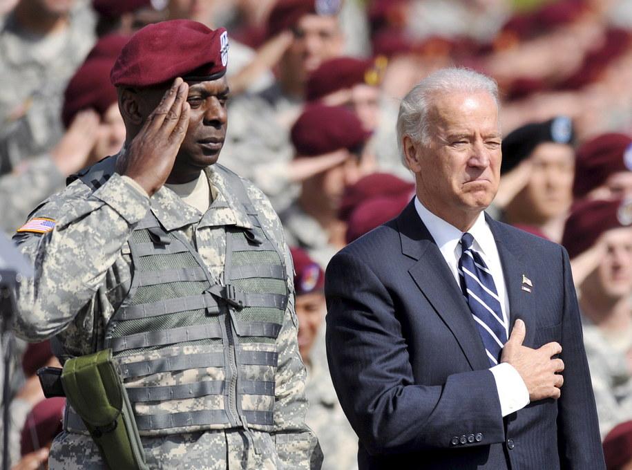 Joe Biden i generał Lloyd J. Austin III /STAN GILLILAND /PAP/EPA