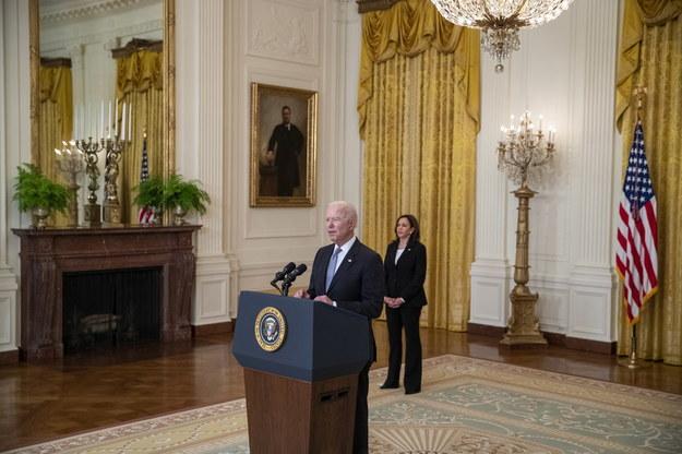 Joe Biden i Kamala Harris podczas konferencji prasowej /SHAWN THEW/POOL /PAP/EPA