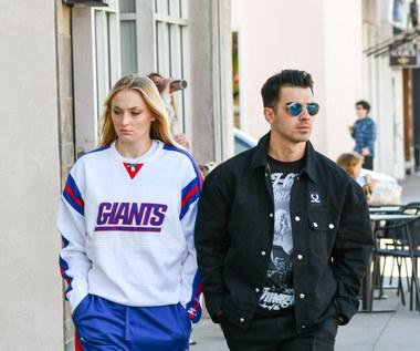 Joe Jonas i Sophie Turner zostali rodzicami po raz pierwszy. Znamy płeć i imię dziecka