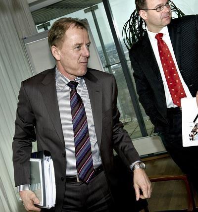 Joergen Buhl Rasmussen (L), dyrektor Carlsberga /AFP