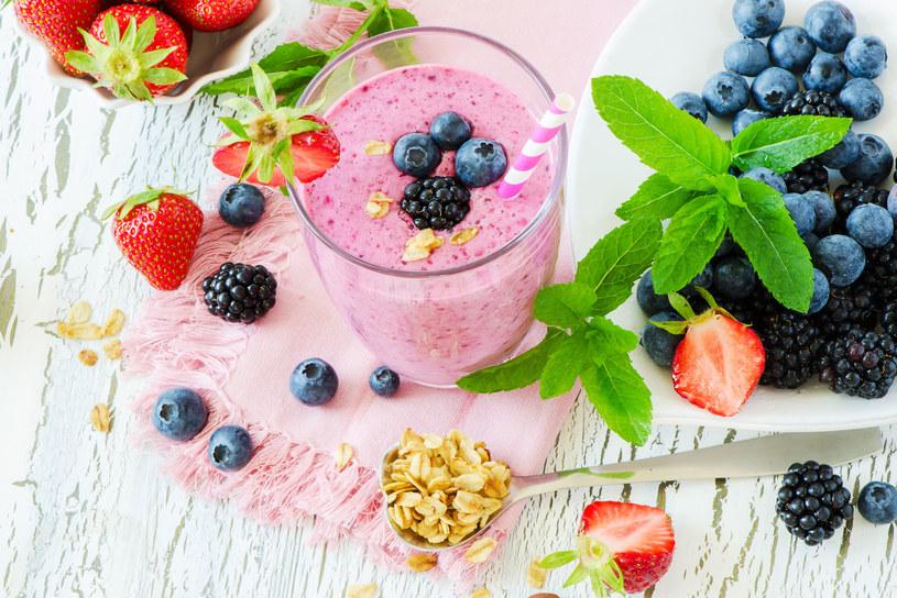 Jogurt z owocami /123RF/PICSEL