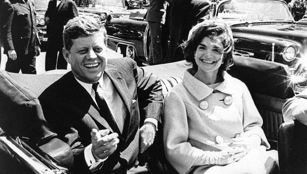 John F. Kennedy i Pierwsza Dama Jacqueline Kennedy /ABBIE ROWE /PAP/EPA