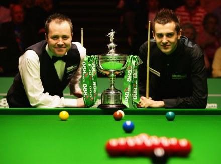 John Higgins i Mark Selby walczą o najcenniejsze trofeum Fot. Laurence Griffiths/Getty Images /