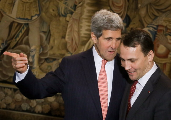 John Kerry i Radosław Sikorski /Paweł Supernak /PAP