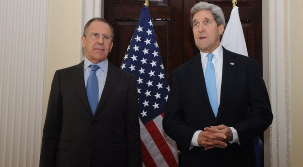 John Kerry i Siergiej Ławrow /PAP/EPA/HO /PAP/EPA