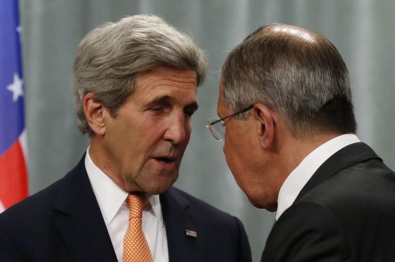 John Kerry i  Siergiej Ławrow /PAP/EPA