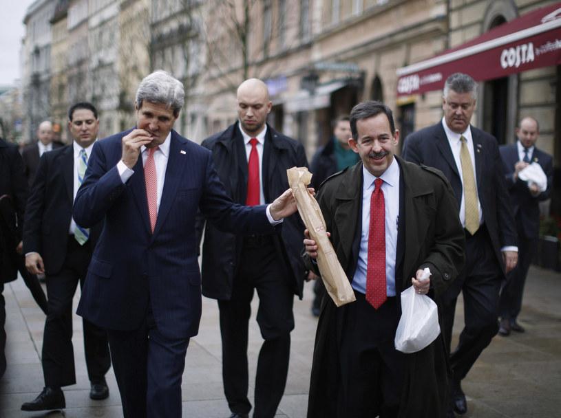 John Kerry i Stephen Mull jeszcze jako ambasador USA w Polsce /JASON REED / POOL / AFP /AFP