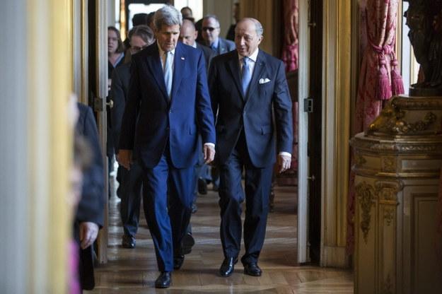 John Kerry i szef francuskiego MSZ Laurent Fabius /PAP/EPA/IAN LANGSDON /PAP/EPA