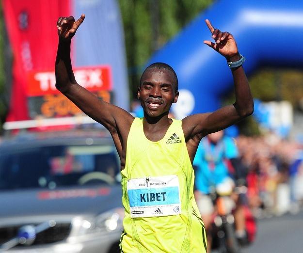 John Sammy Kibet wygrał 33. Maraton Warszawski Fot. Bartłomiej Zborowski /PAP