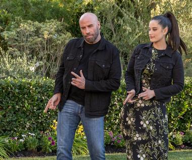 """John Travolta wystąpił z córką w reklamie. Wykonali słynny taniec z """"Grease"""""""