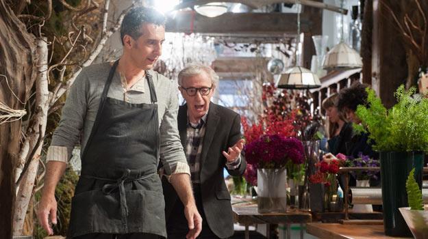 """John Tururro i Woody Allen jako żigolak i alfons w """"Casanovie po przejściach"""" /materiały dystrybutora"""