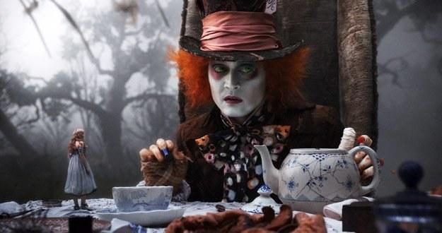Johnny Depp jako Szalony Kapelusznik /materiały dystrybutora