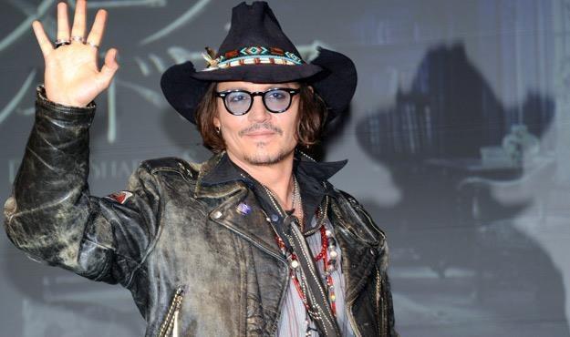 Johnny Depp od lat wciąż zaskakuje /AFP