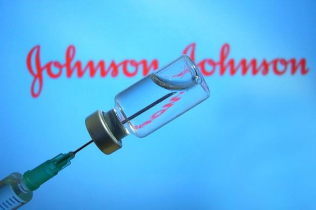 Johnson & Johnson zgłosił swoją szczepionkę przeciw Covid-19 do zatwierdzenia w UE /Frank Hoermann/SVEN SIMON /PAP/DPA