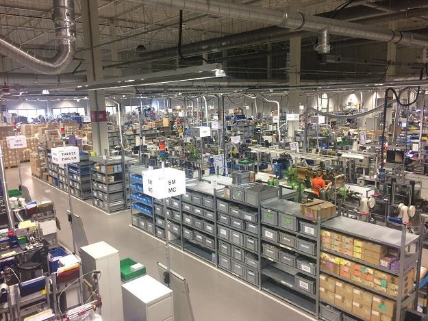 Johnson Electric, wnętrze hali produkcyjnej /Informacja prasowa