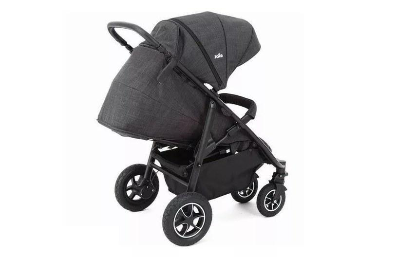Joie Mytrax Navy Blazer to wózek, który dostosuje się do Twoich potrzeb /materiały promocyjne