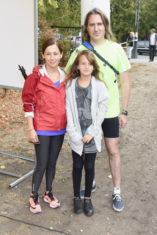 Jolanta Fraszyńska z partnerem i córką /Mieszko Pietka /AKPA