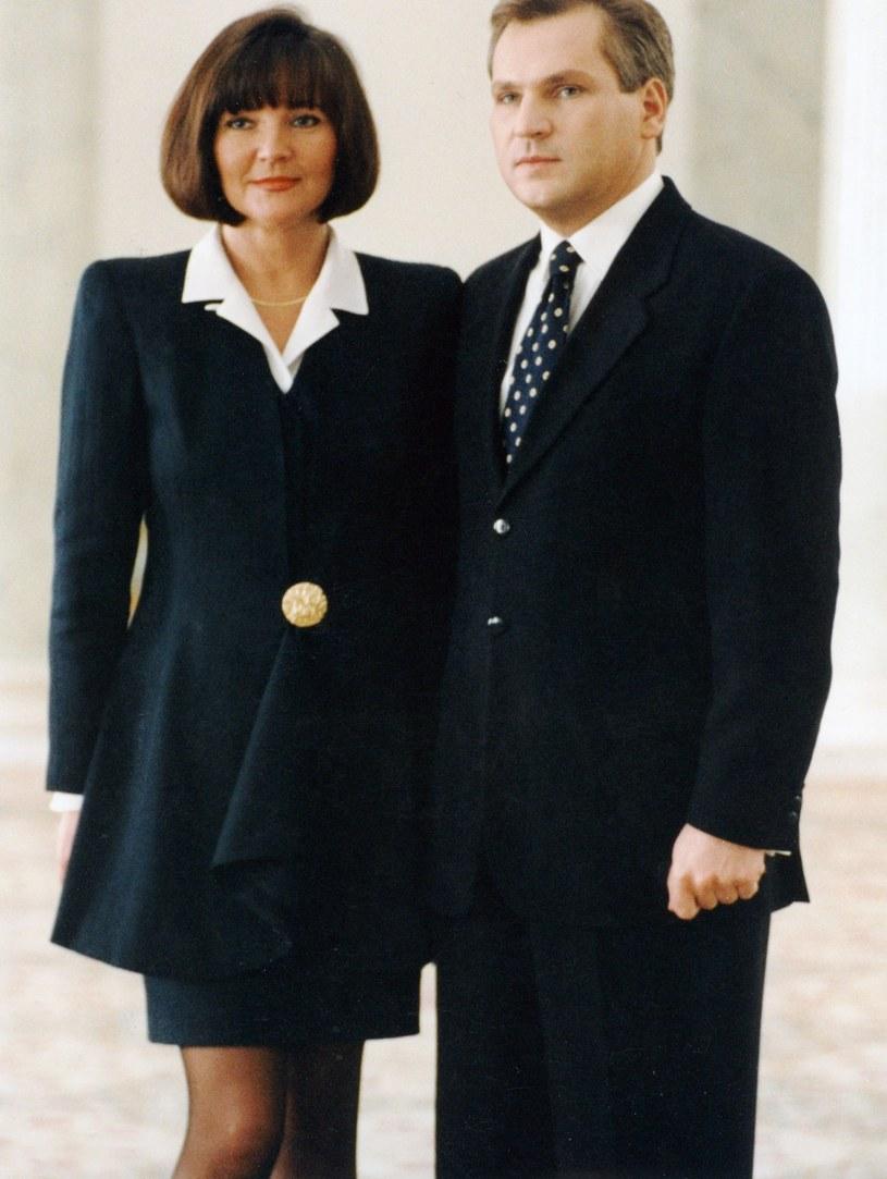 Jolanta Kwaśniewska została Pierwszą Damą w 1995 roku i pozostała nią do 2005 roku. Od momentu wejścia w tę rolę zachwycała swoją elegancją i szykiem. /Laski Diffusion /East News