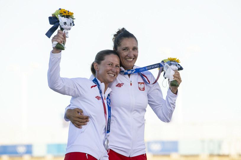 Jolanta Ogar-Hill i Agnieszka Skrzypulec sięgnęły w Tokio po olimpijskie srebro /Iwanczuk/Sport/REPORTER /East News