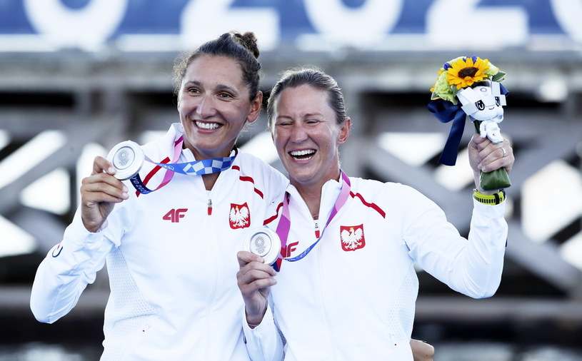 Jolanta Ogar (z lewej) i Agnieszka Skrzypulec /OLIVIER HOSLET /PAP/EPA
