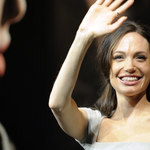 """Jolie w kobiecym """"Siedem"""""""
