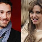 Jolie w objęciach włoskiego aktora