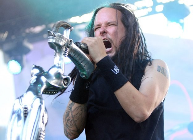 Jonathan Davis (Korn) - to przy nazwie jego zespołu po raz pierwszy usłyszeliśmy o nu metalu /Getty Images/Flash Press Media