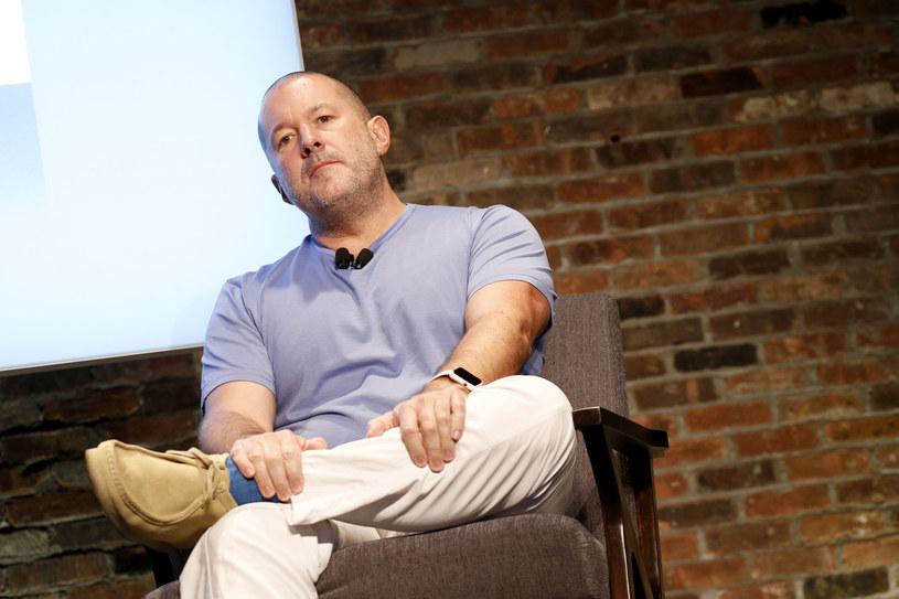 Jony Ive będzie współpracował z Airbnb /AFP