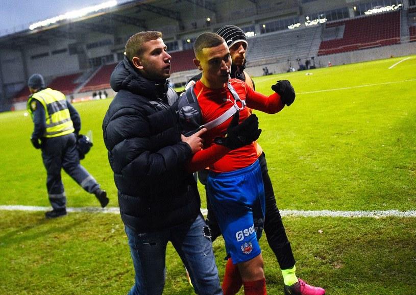 Jordan Larsson (w środku) /AFP