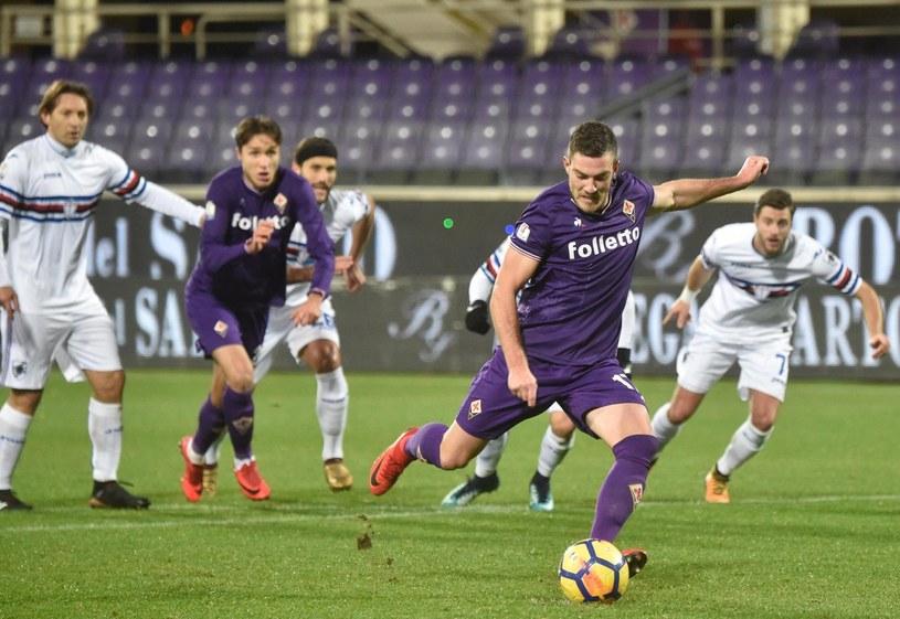 Jordan Veretout strzela gola dla Fiorentiny /PAP/EPA