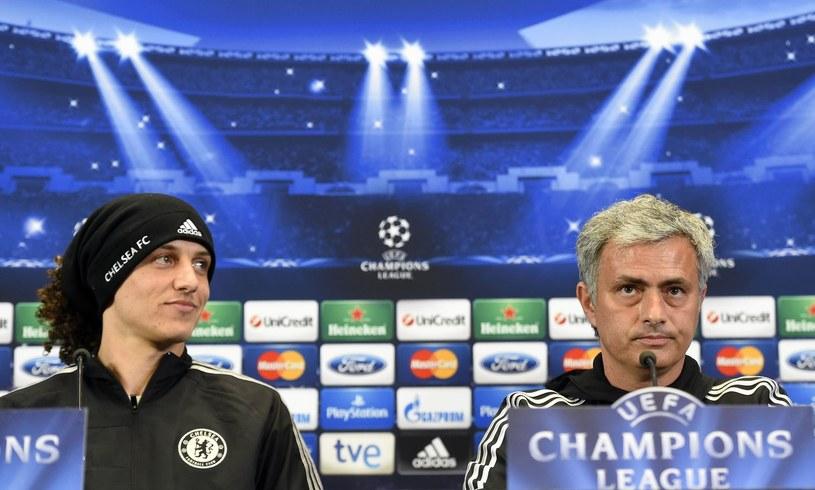 Jose Mourinho i David Luiz /AFP
