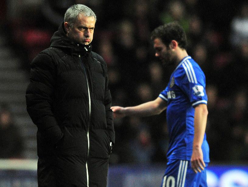 Jose Mourinho i Juan Mata /AFP