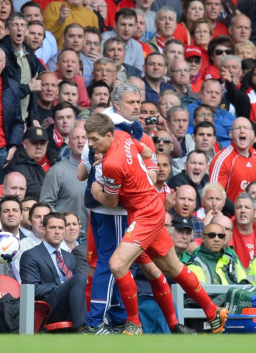 Jose Mourinho i Steven Gerrard /AFP