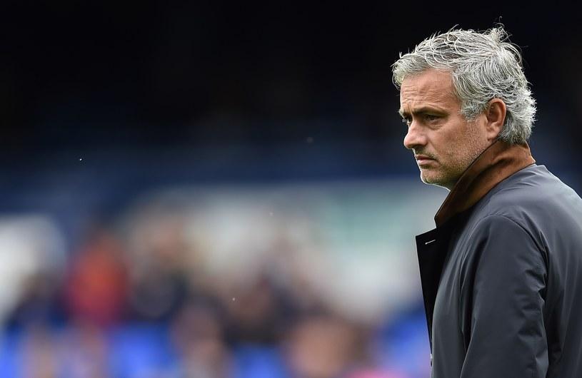 Jose Mourinho nie ma ostatnio wesołej miny /AFP