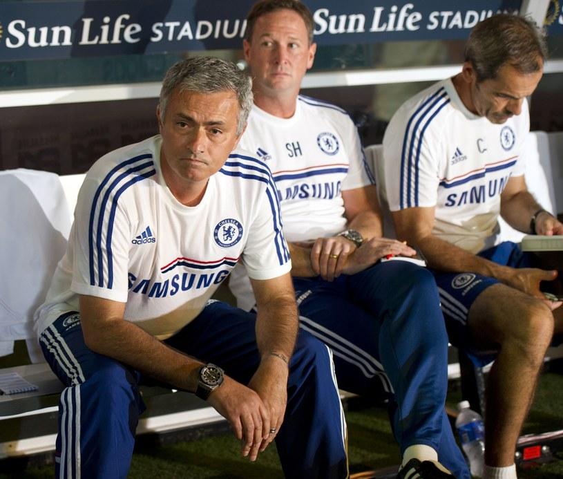 Jose Mourinho słono zapłaci za krytykę sędziów. /AFP